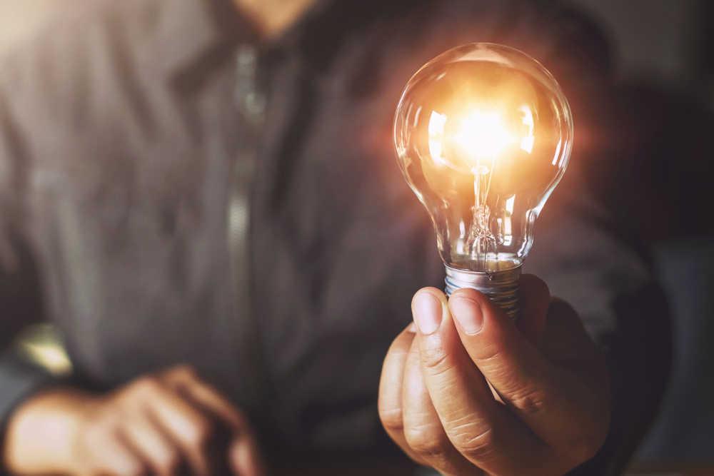 Hacer la electricidad accesible a todo el mundo, un asunto en el que España ha mejorado